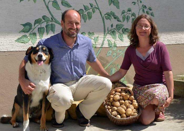 DE:2 Bauernhoftiere Bewegen Menschen